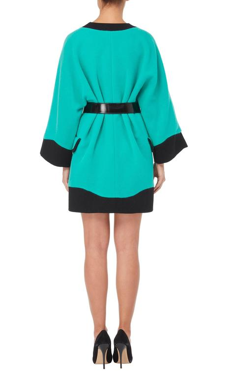 Versace Turquoise coat, Autumn/Winter 1991 In Excellent Condition For Sale In London, GB