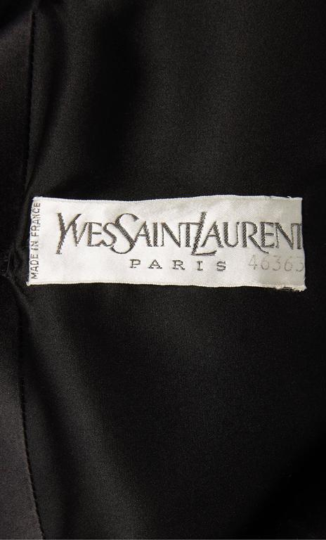 Yves Saint Laurent haute couture black dress, Autumn/Winter 1979 5