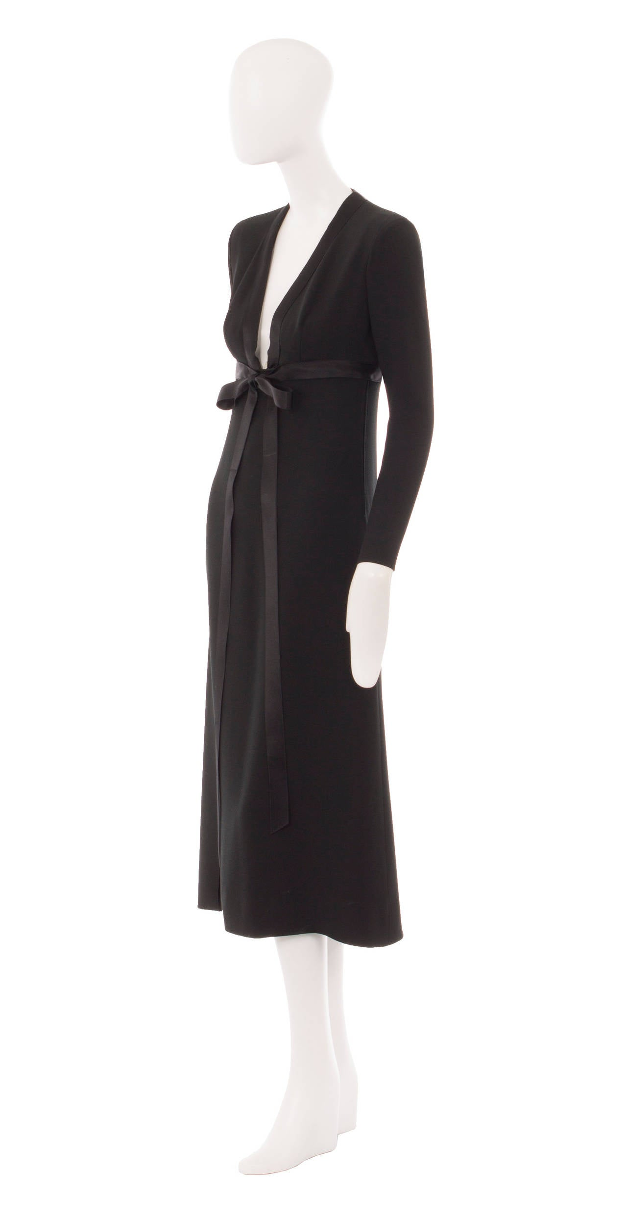 an yves saint laurent haute couture dress circa 1970 for sale at 1stdibs. Black Bedroom Furniture Sets. Home Design Ideas
