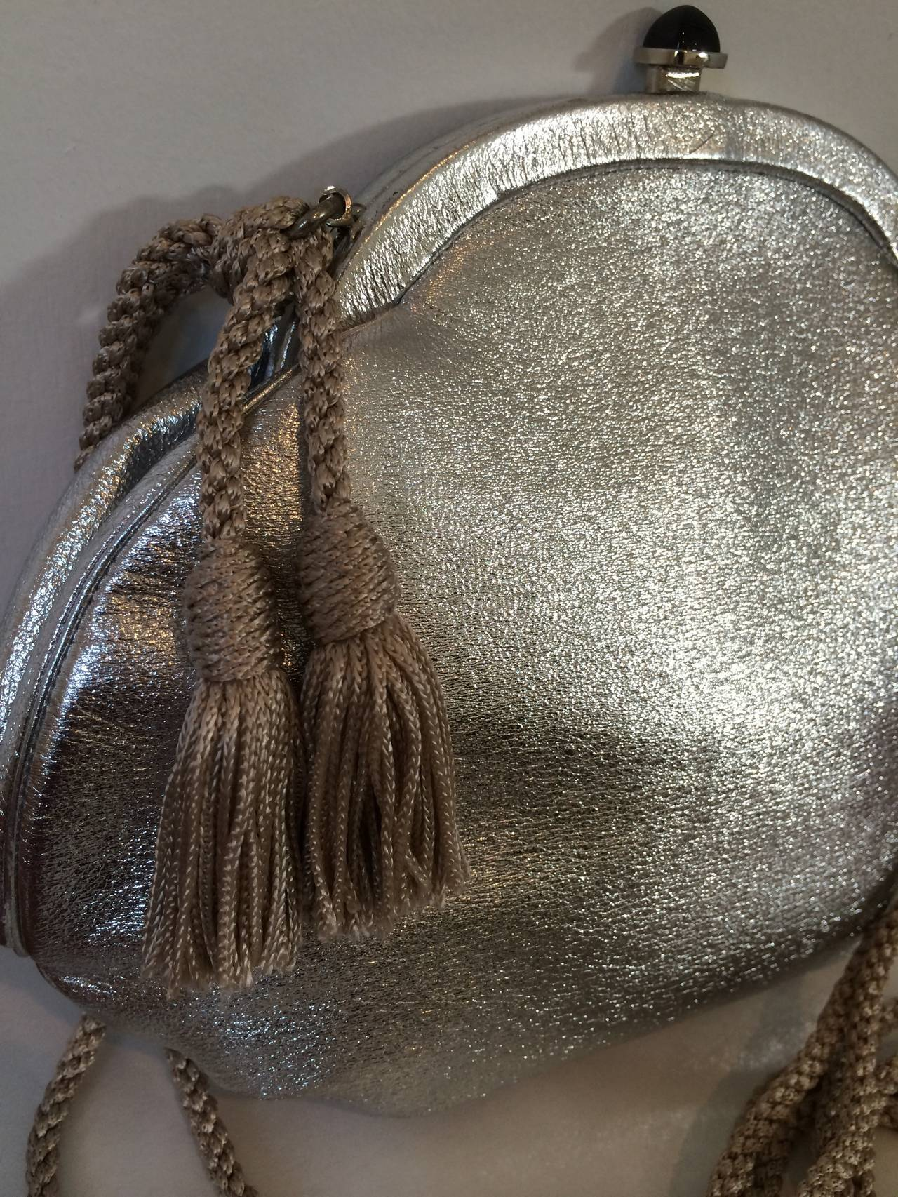 Vintage Judith Leiber  Metallic Silver Leather Black Onyx Clap Evening Bag 5