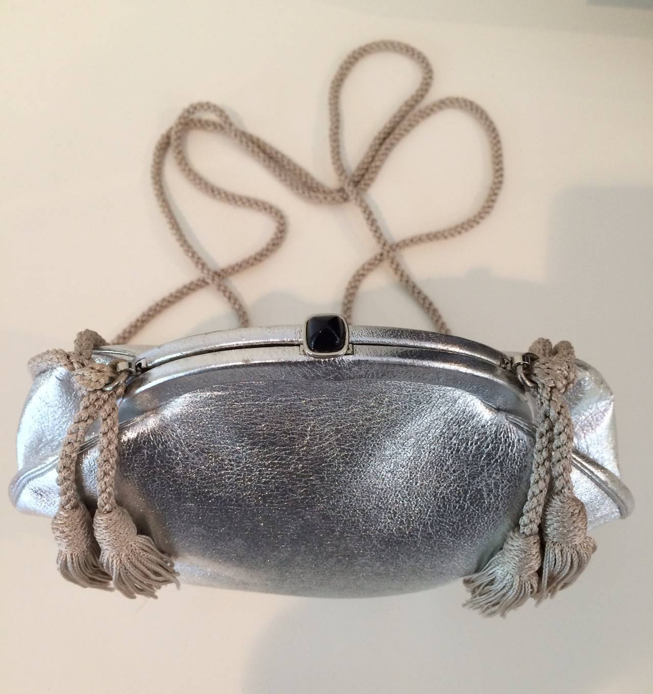 Vintage Judith Leiber  Metallic Silver Leather Black Onyx Clap Evening Bag 3