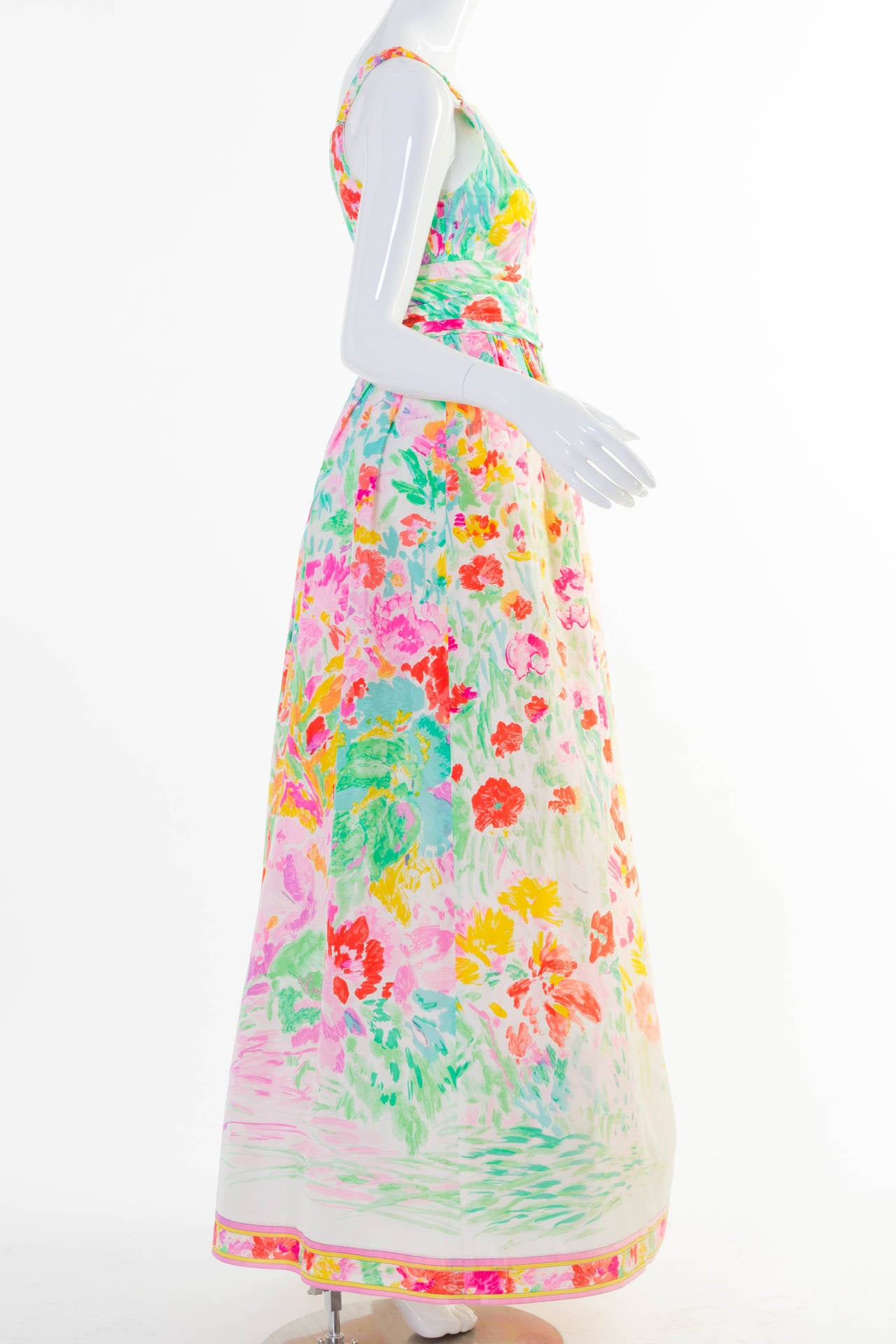 1990s Fabulous Leonard Paris Silk Floral Print Party Dress Gown In Excellent Condition For Sale In Boca Raton, FL