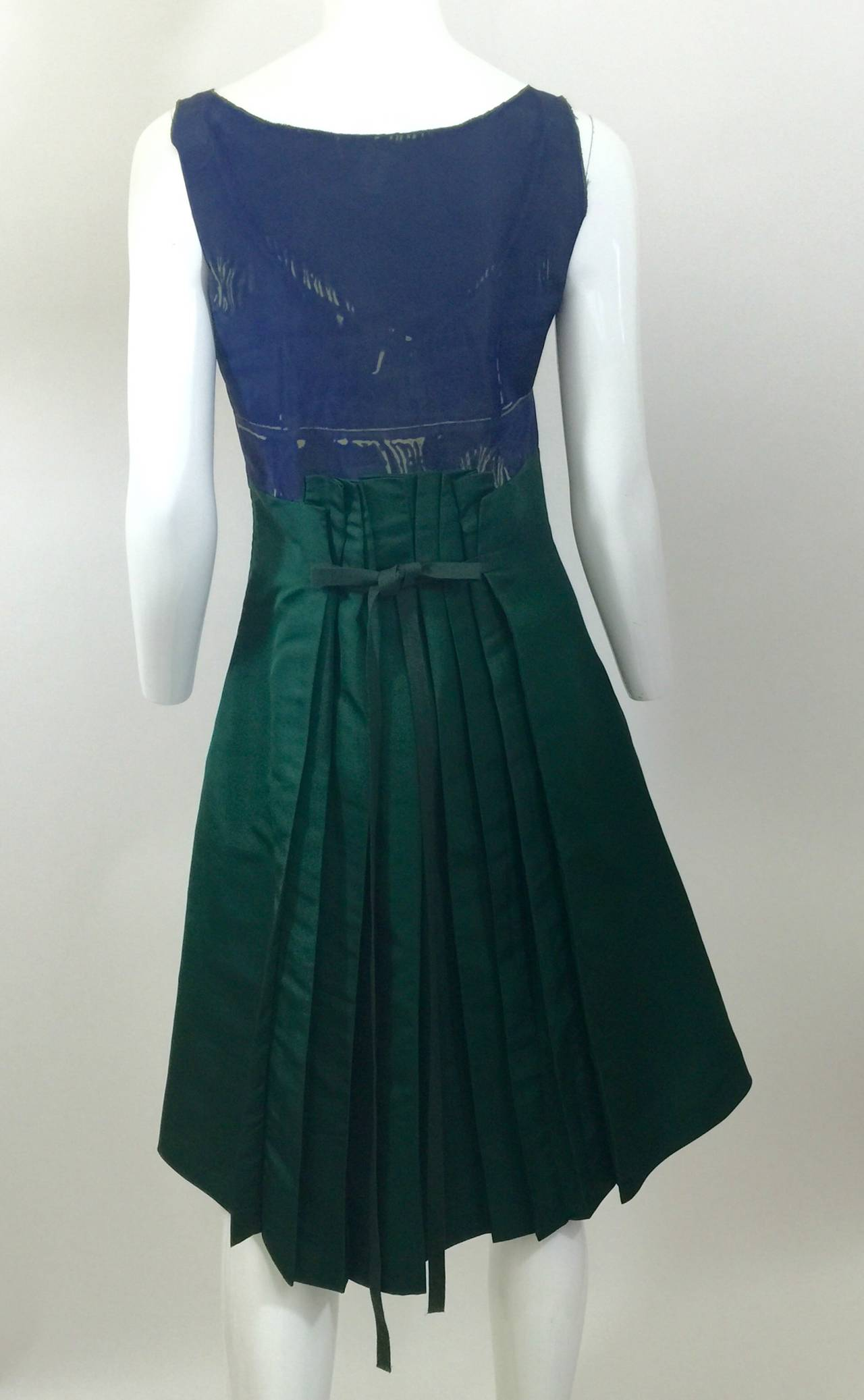 Prada Spring  2005 Runway Look 53 Parrot Dress In Excellent Condition For Sale In Boca Raton, FL