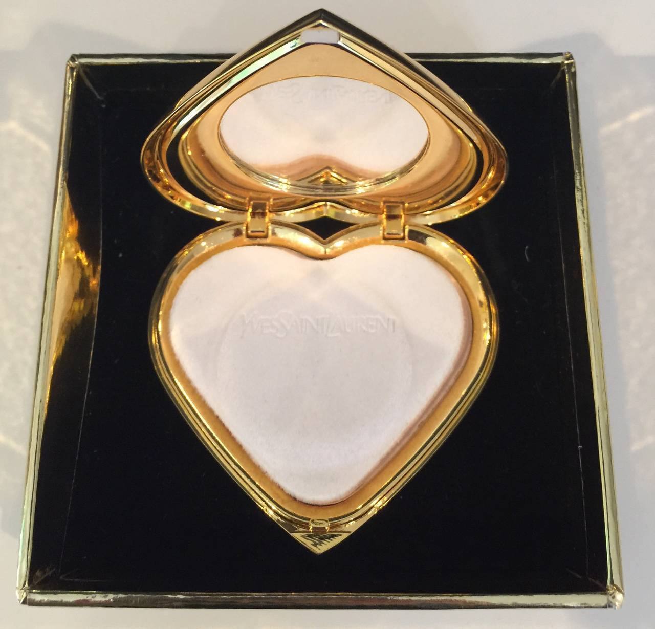 f0922833bc5 Yves Saint Laurent Paris Dazzling Ruby Crystal Jewel Heart Compact YSL New  In New Condition For