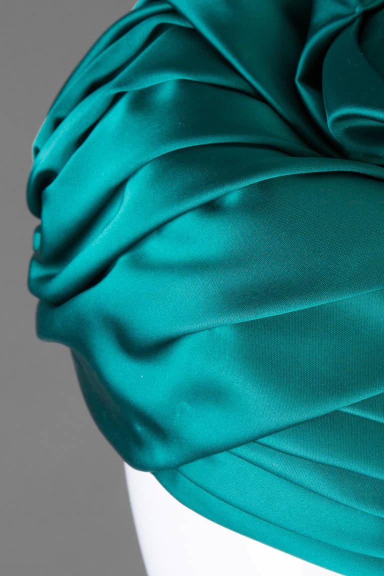 1960s Christian Dior Emerald Green Silk Satin Turban Hat  3