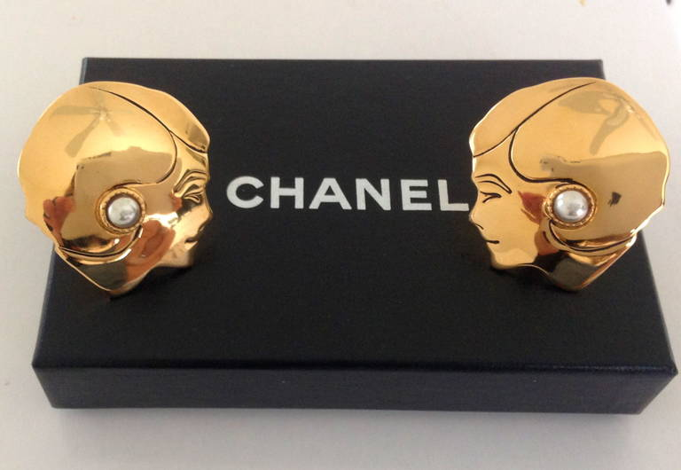 Vintage Chanel Mademoiselle Earrings In Excellent Condition For Sale In Boca Raton, FL