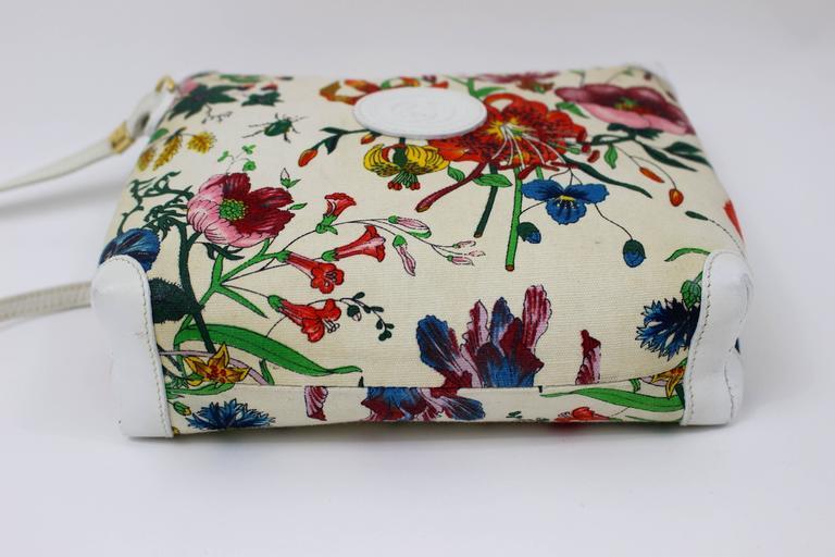 9851cf280ad173 Vintage Gucci Floral Canvas White Leather Cross Body Shoulder Bag Purse For  Sale 1