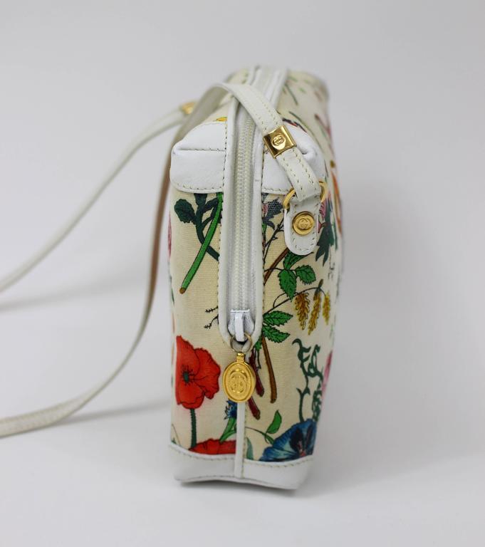 235bf10e08b4b6 Women's Vintage Gucci Floral Canvas White Leather Cross Body Shoulder Bag  Purse For Sale