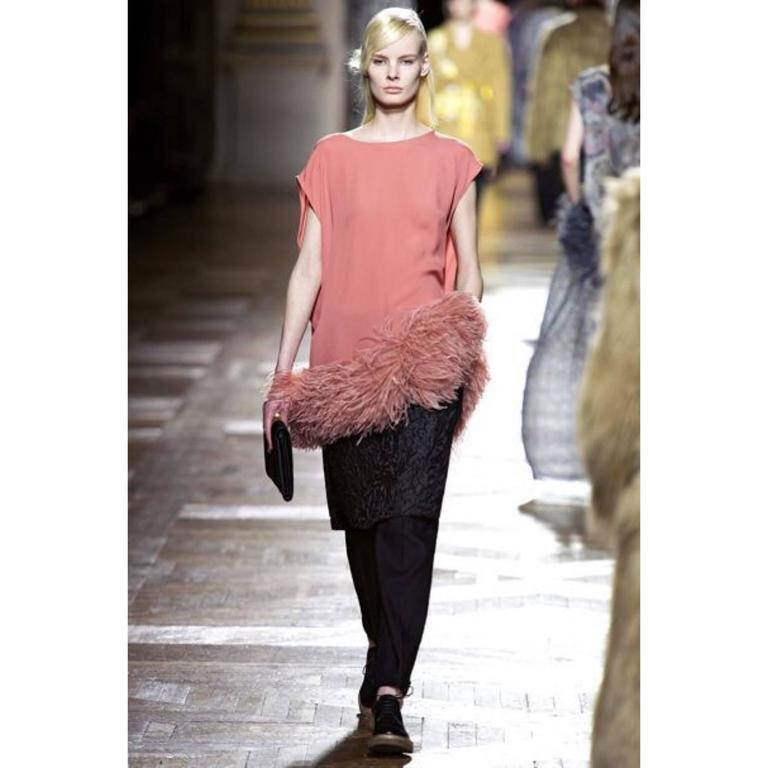 Dries Van Noten Pink Crepe Feather Trim Tunic Top Fall Winter 2013/2014 Runway In Excellent Condition For Sale In Boca Raton, FL