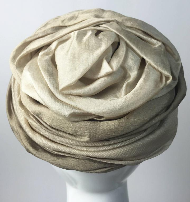 1950s Christian Dior Draped  and Pleated Silk  Ombre Beige Turban Hat  In Excellent Condition For Sale In Boca Raton, FL