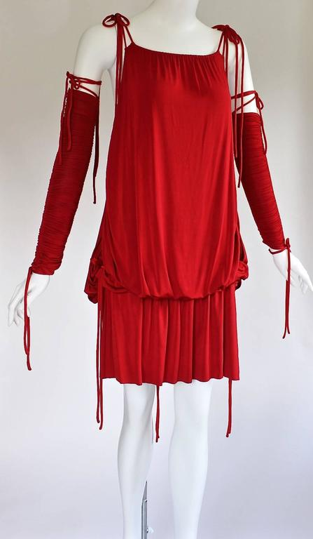 2003 S/S Dolce & Gabbana  Runway Ad Campaign Red Mini Dress Ruched Arm Bands In Excellent Condition For Sale In Boca Raton, FL