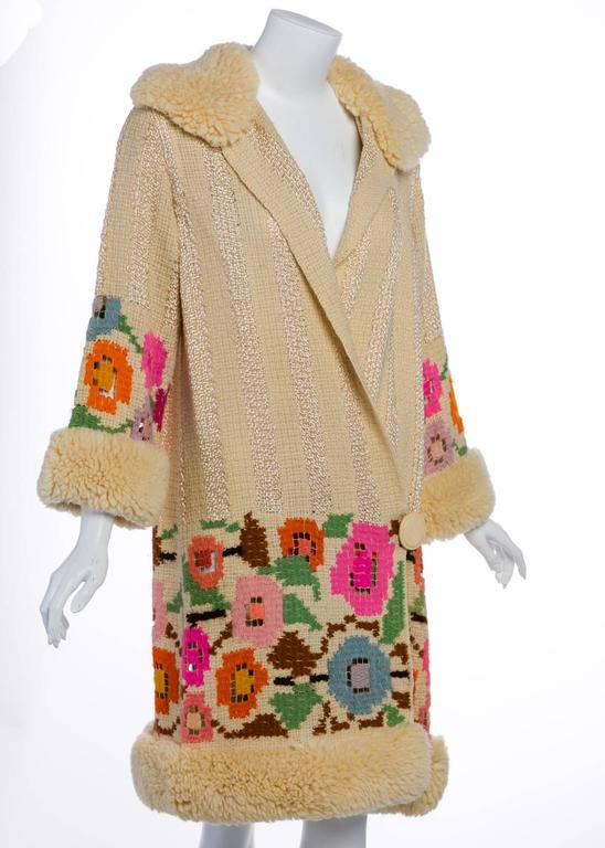French Art Deco Couture Ivory Wool and  Silk Floral Flapper Coat, 1920s  In Excellent Condition For Sale In Boca Raton, FL