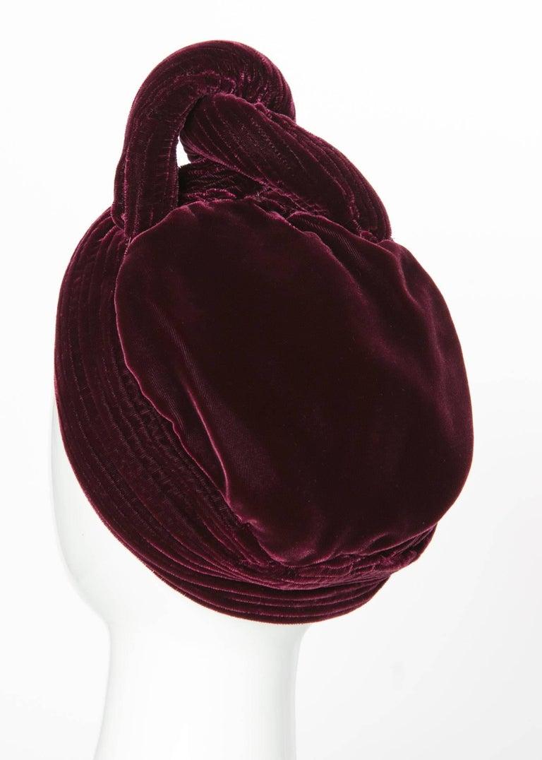 Women's 1930s Vintage Velvet Bordeaux Sculptural Turban Hat For Sale