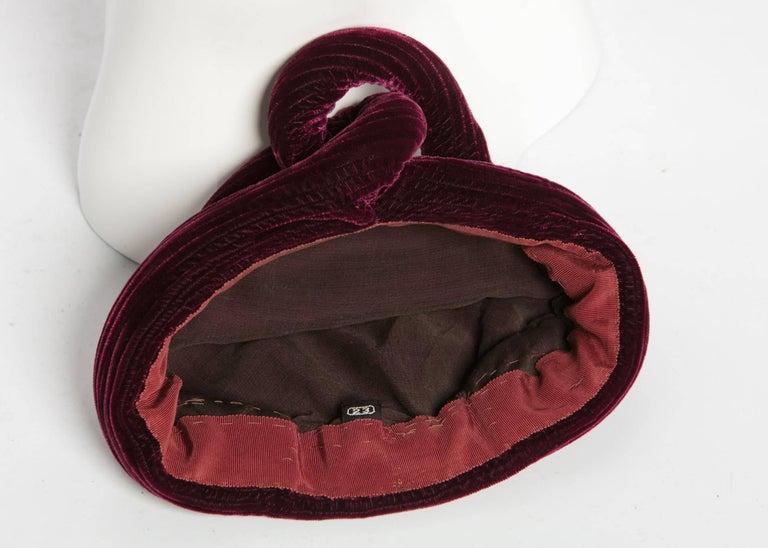 1930s Vintage Velvet Bordeaux Sculptural Turban Hat For Sale 1