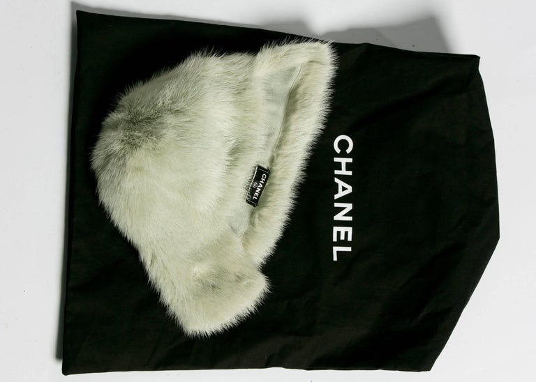 Chanel Fall 2013 Runway Anna Wintour Bob Silver Green Fox Fur Helmut Hat  5