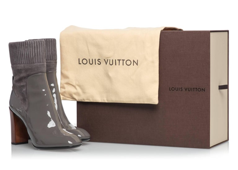 2015/2016  Louis Vuitton Brand New Sold Out  Gray Suede and Patent Leather Boots For Sale 2