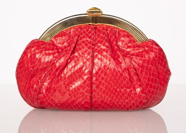 Vintage Judith Leiber Red Snake Skin Clutch Bag In Excellent Condition For Sale In Boca Raton, FL
