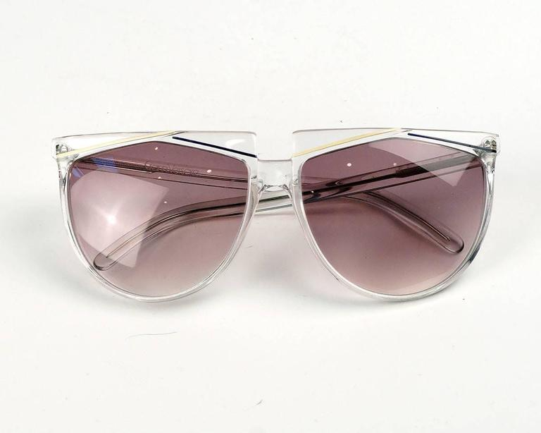 Verses (Versace) Clear Frame Sunglasses In Good Condition For Sale In Los Angeles, CA