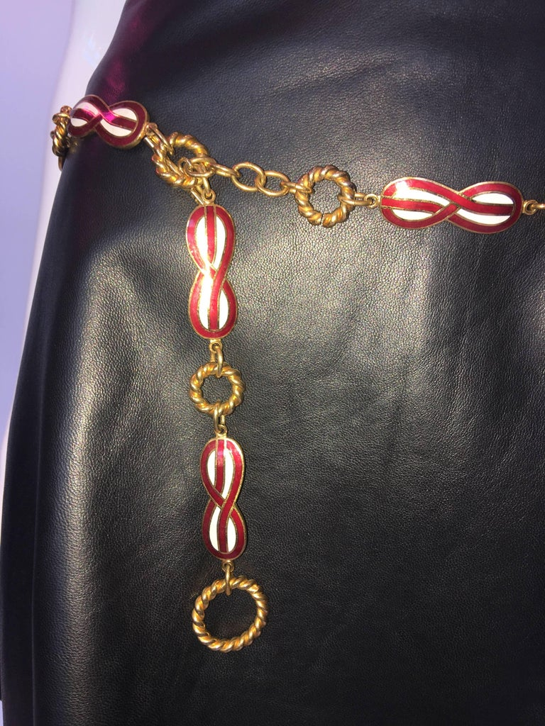Beige 1970S Gucci Figure Eight Red & White Enamel Gold Tone Chain Belt For Sale