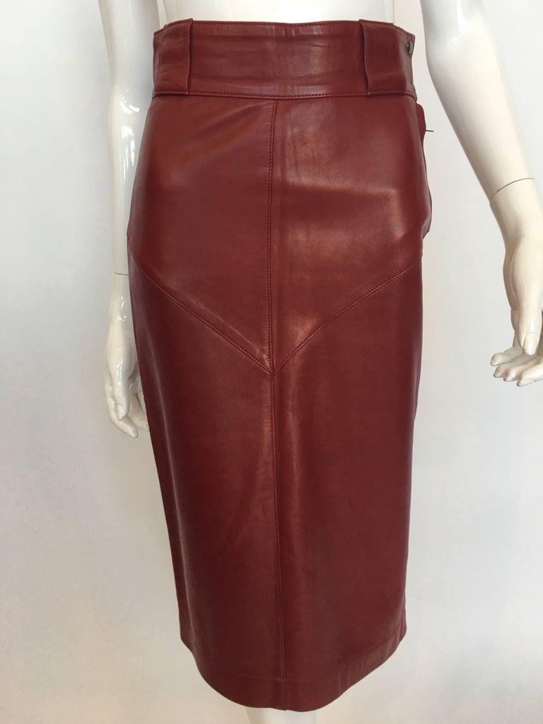 Alaïa 1980's Red Leather Skirt Suit For Sale 2
