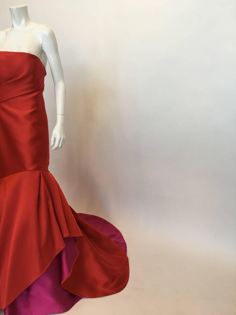 Monique Lhuillier Red Silk Gown In Good Condition For Sale In Los Angeles, CA