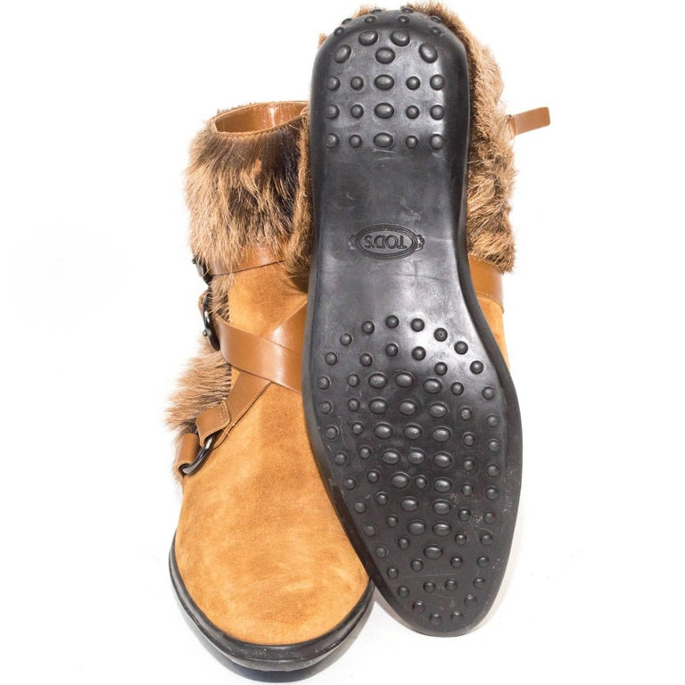 Tod's Goat Fur and Leather Buckle Boots In Good Condition For Sale In Los Angeles, CA