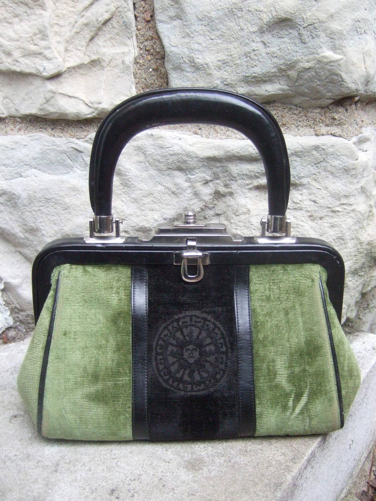 Roberta Di Camerino Moss Green & Ebony Velvet Handbag Made in Italy For Sale 4