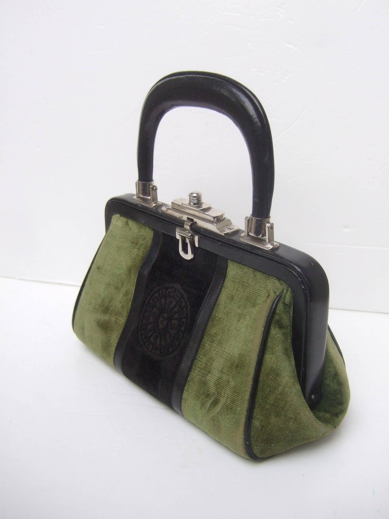 Roberta Di Camerino Moss Green & Ebony Velvet Handbag Made in Italy For Sale 1