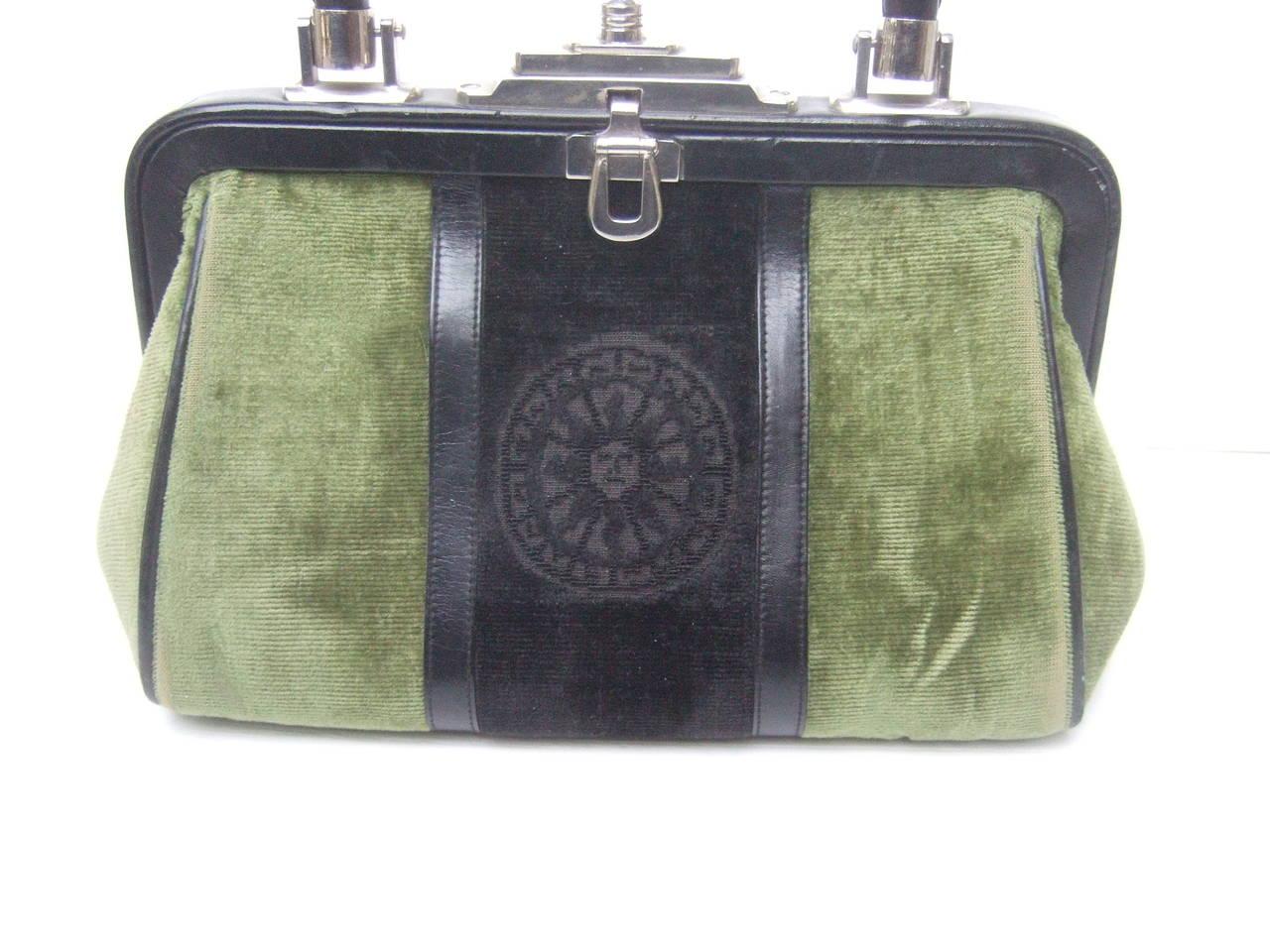 Roberta Di Camerino Moss Green & Ebony Velvet Handbag Made in Italy In Excellent Condition For Sale In Santa Barbara, CA