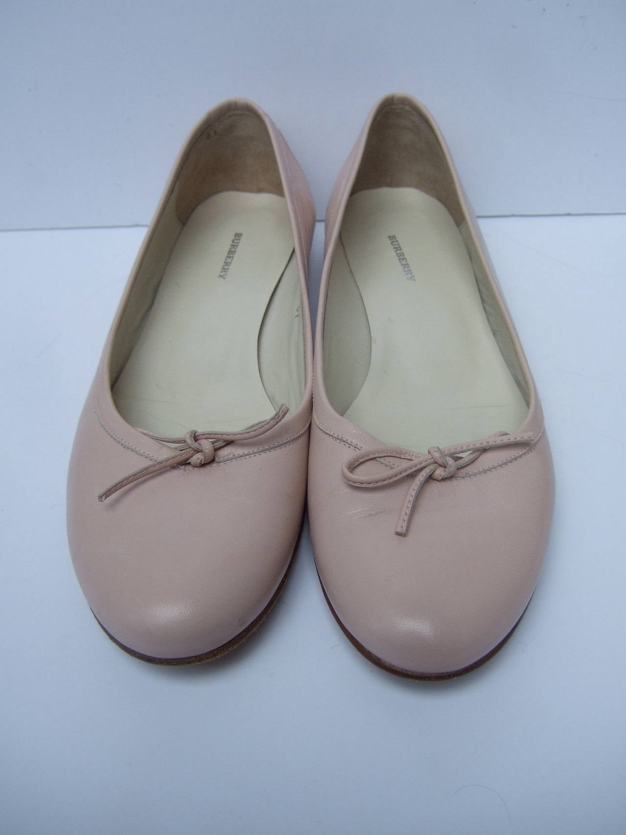 Beige Burberry Blush Pink Leather Ballet Style Flats Size 37 For Sale