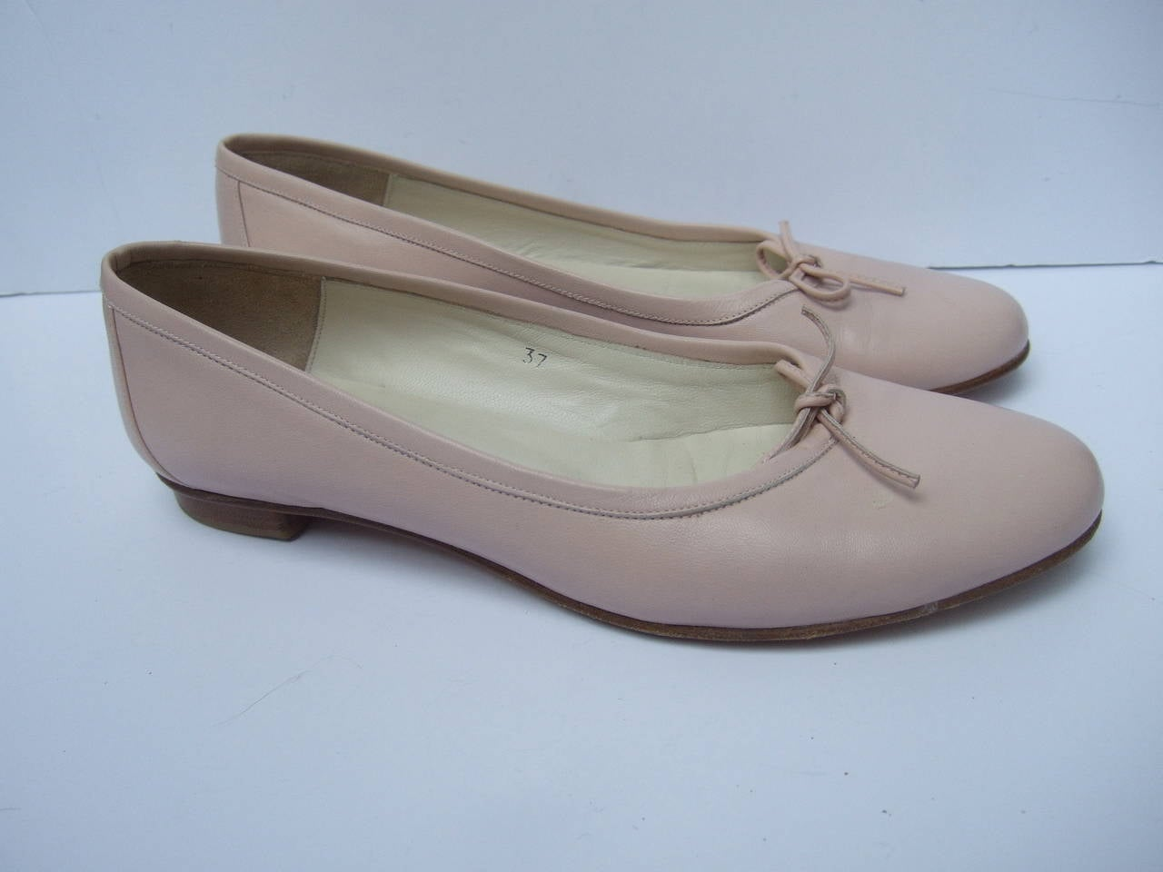 Burberry Blush Pink Leather Ballet Style Flats Size 37 For Sale 1