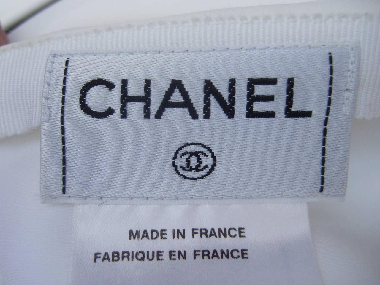 Women's Chanel Elegant Chic Long White Skirt Size 40 For Sale