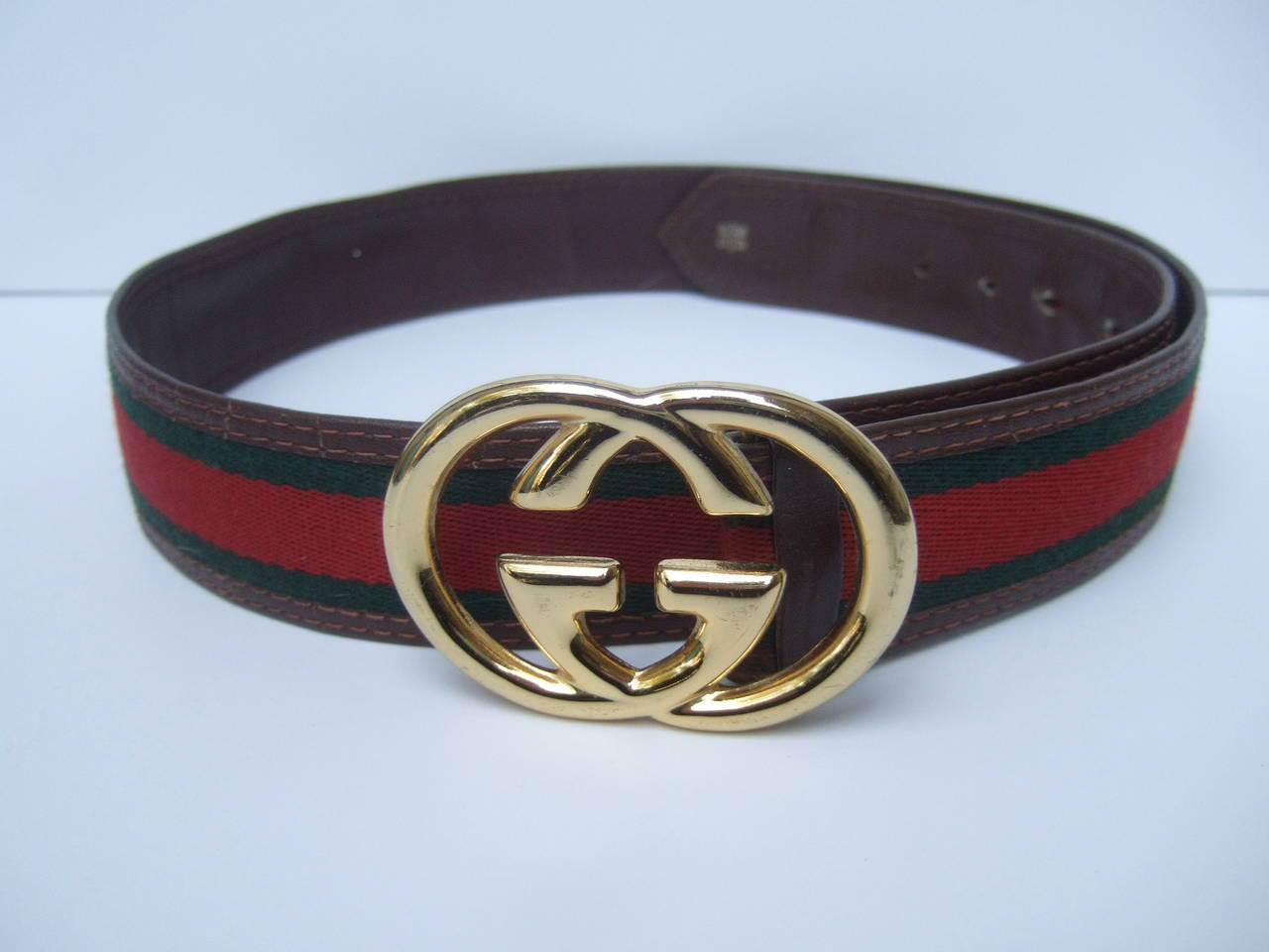 7c0798eff Gucci Sleek Gilt Buckle Red & Green Striped Belt c 1980s In Excellent  Condition For Sale