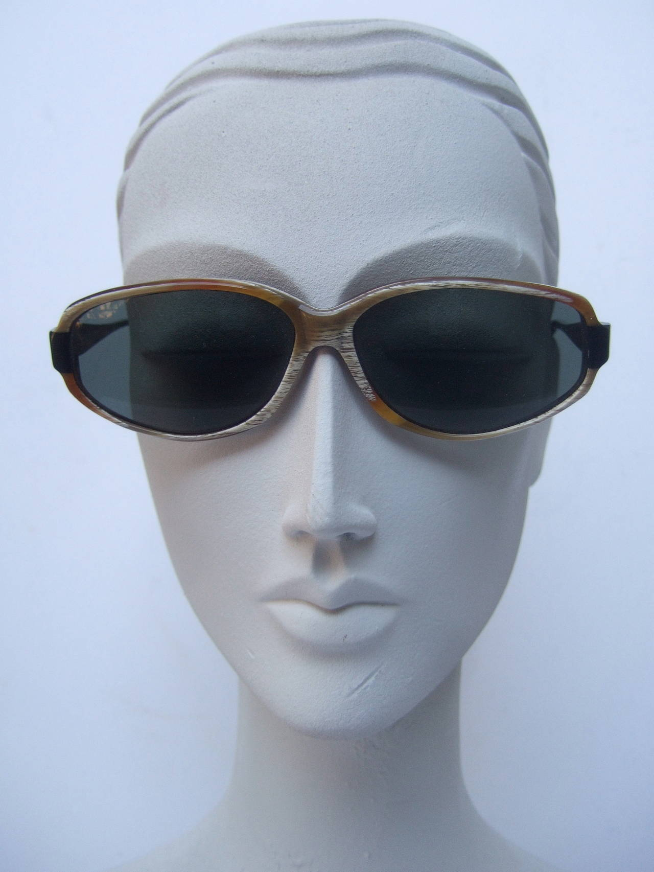 Women's Jean Patou Paris Stylish Sunglasses Made in France For Sale