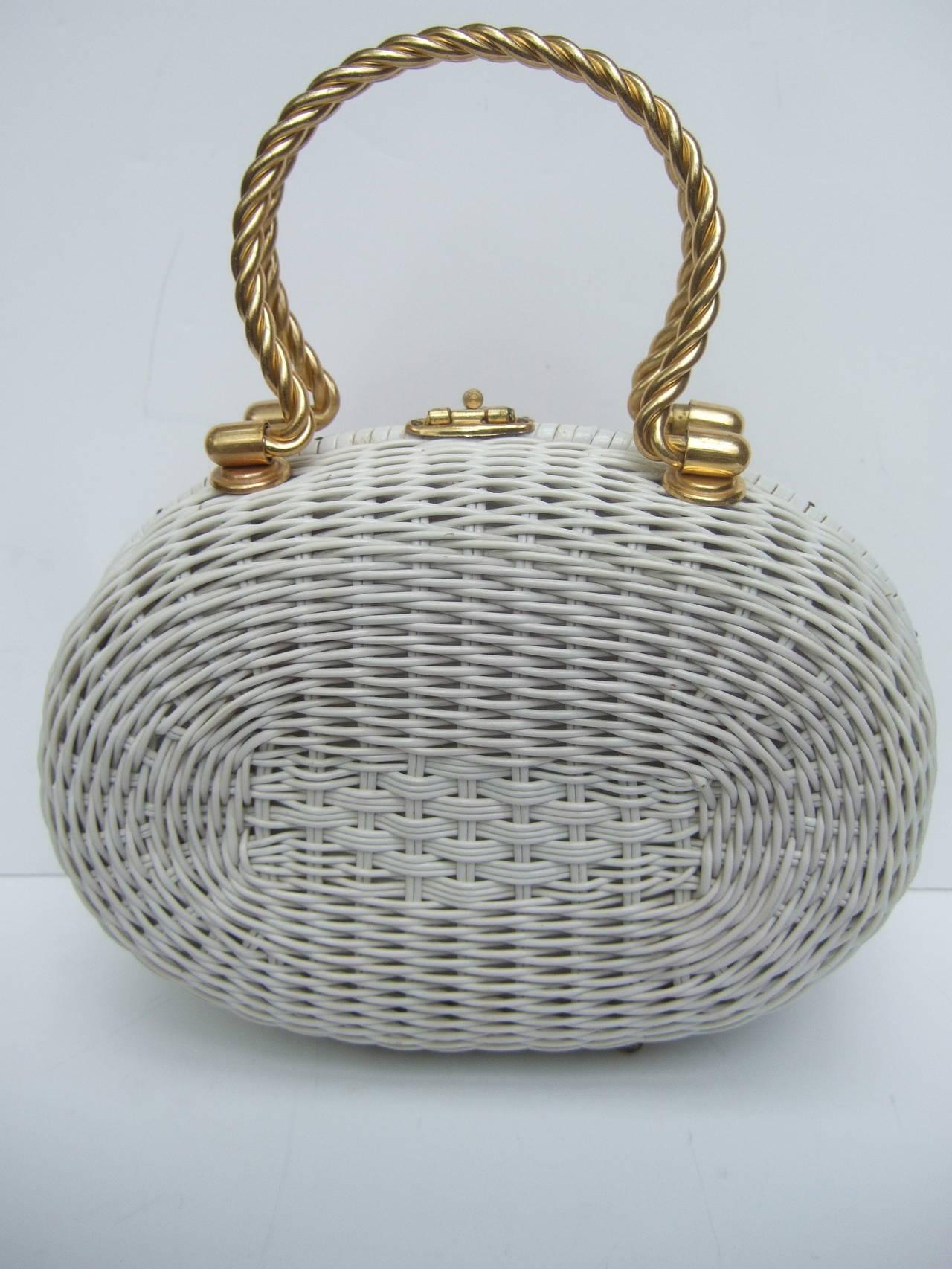 Posh Sea Shell White Wicker Retro Handbag c 1960 6