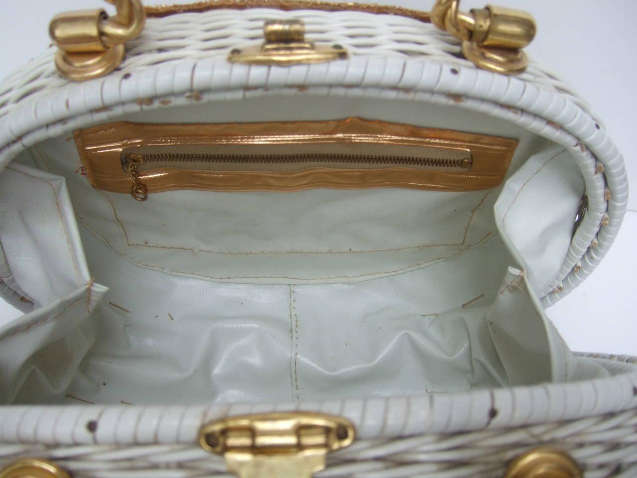 Posh Sea Shell White Wicker Retro Handbag c 1960 7