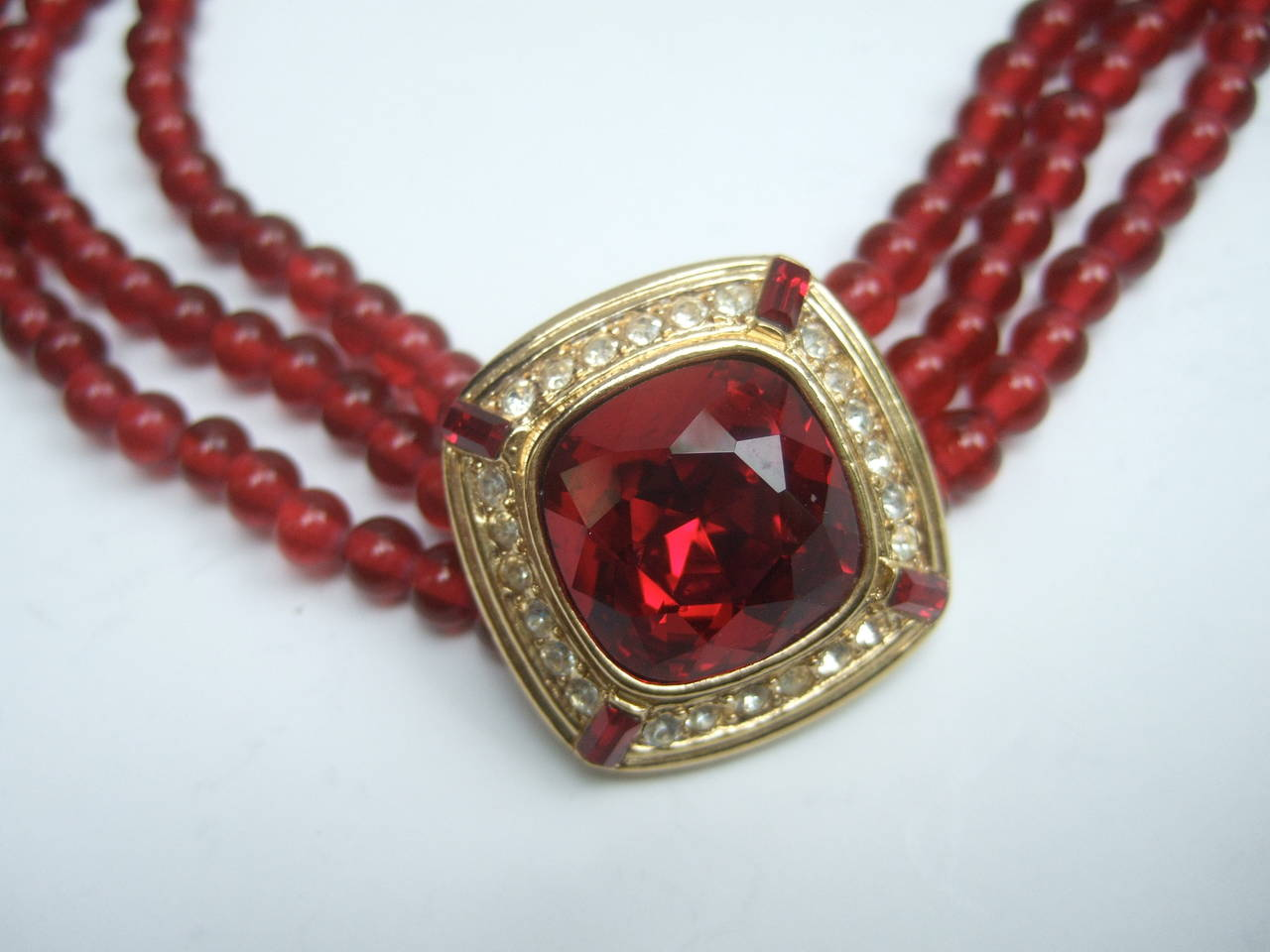 Trifari Elegant Ruby Glass Beaded Choker Necklace c 1980 For Sale 2