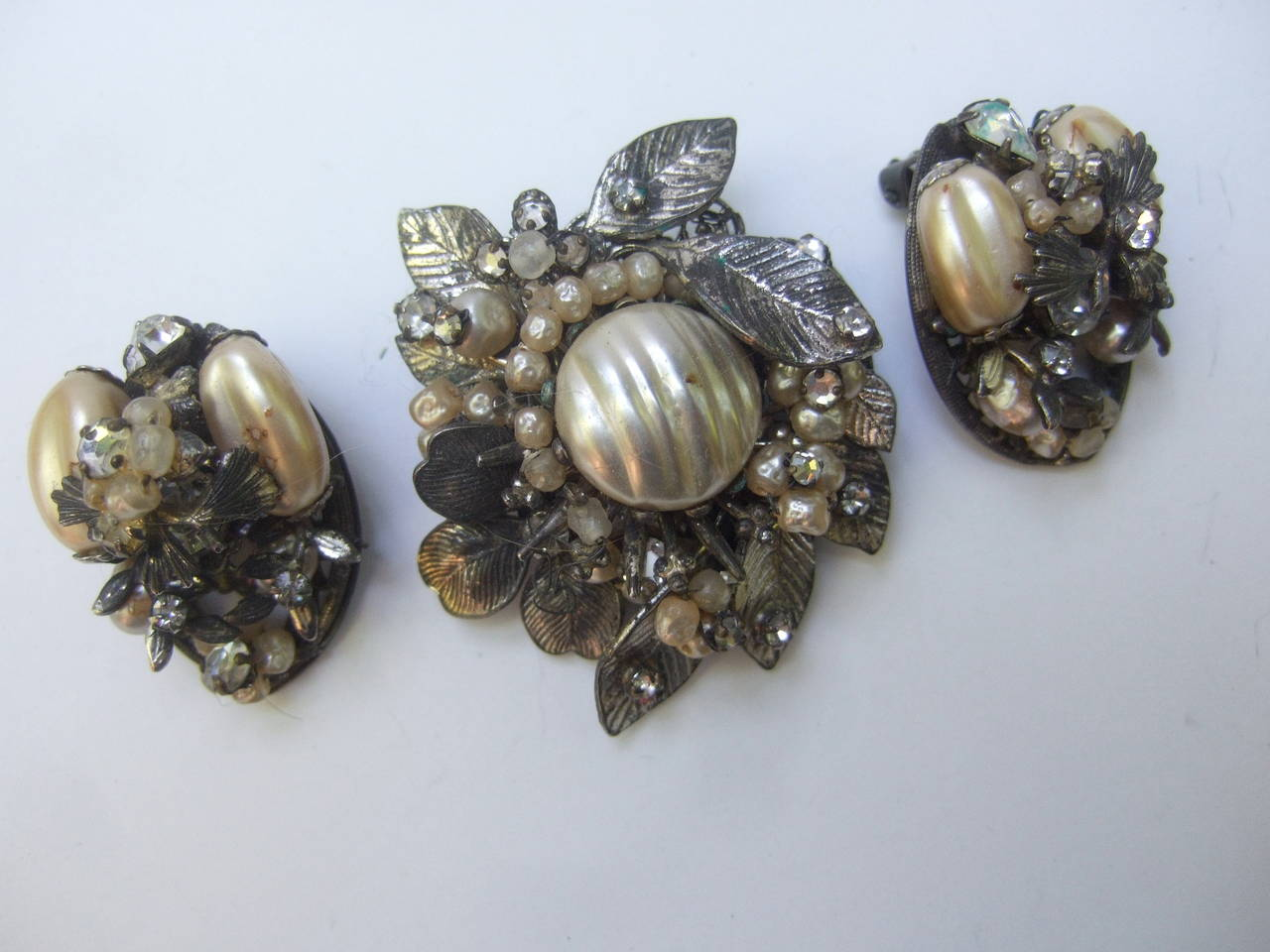 1950s Costume Pearl Brooch, Bracelet & Earrings by Robert For Sale 2