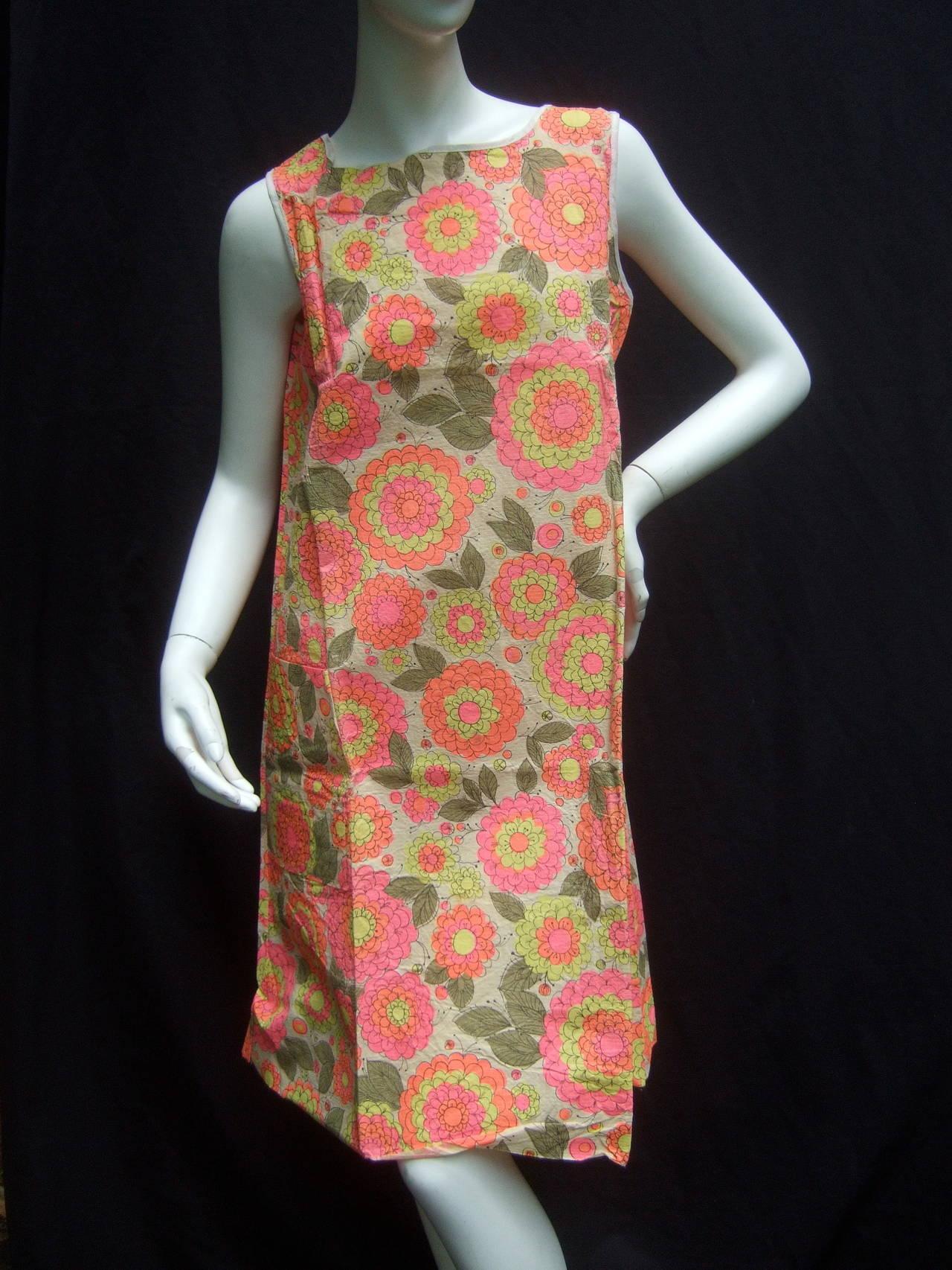 Mod Retro Flower Print Paper Shift Dress C 1960s For Sale