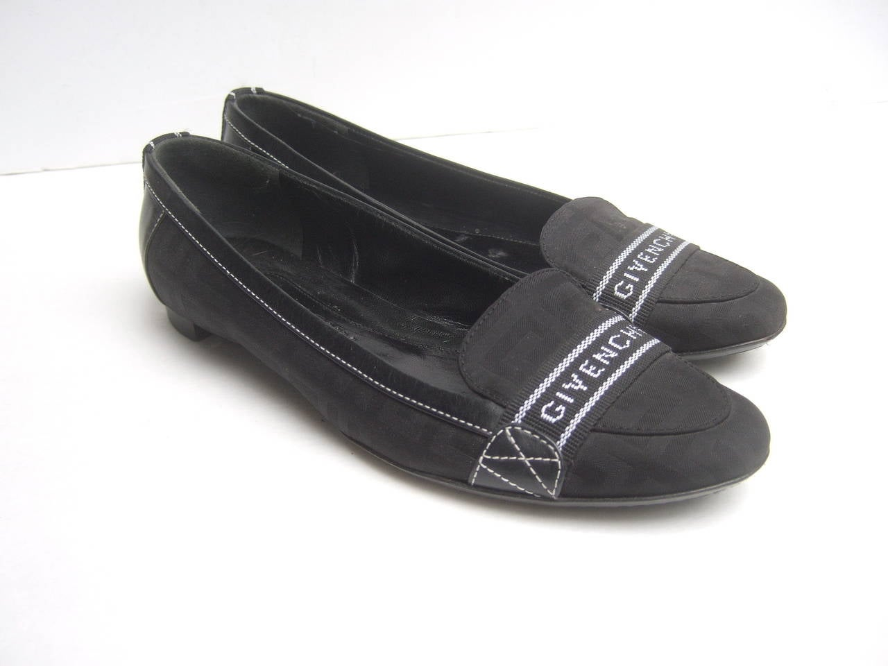 Givenchy Black canvas skimmer flats Made in Italy Size 38.5