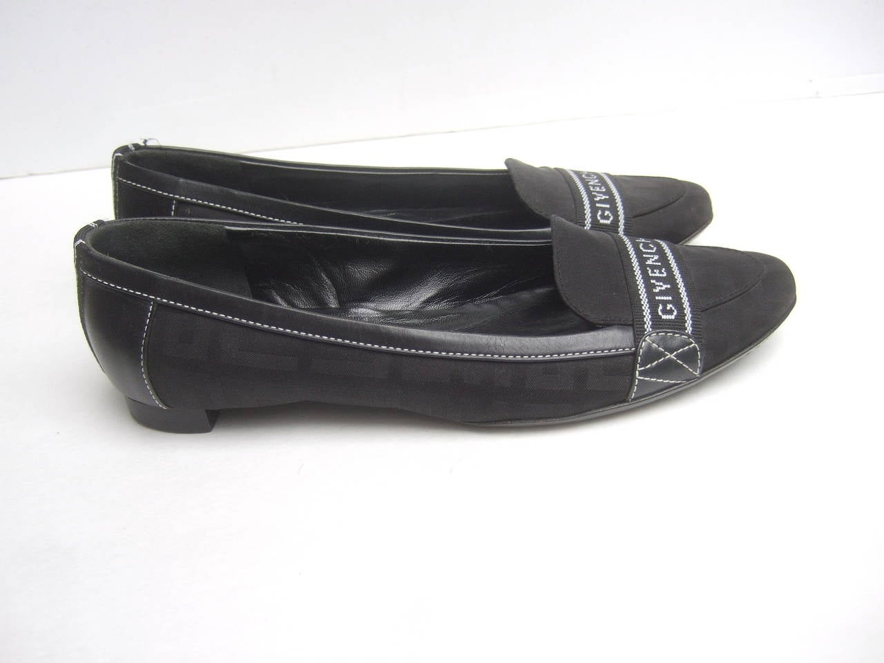 Women's Givenchy Black Canvas Skimmer Flats Made in Italy Size 38.5 For Sale
