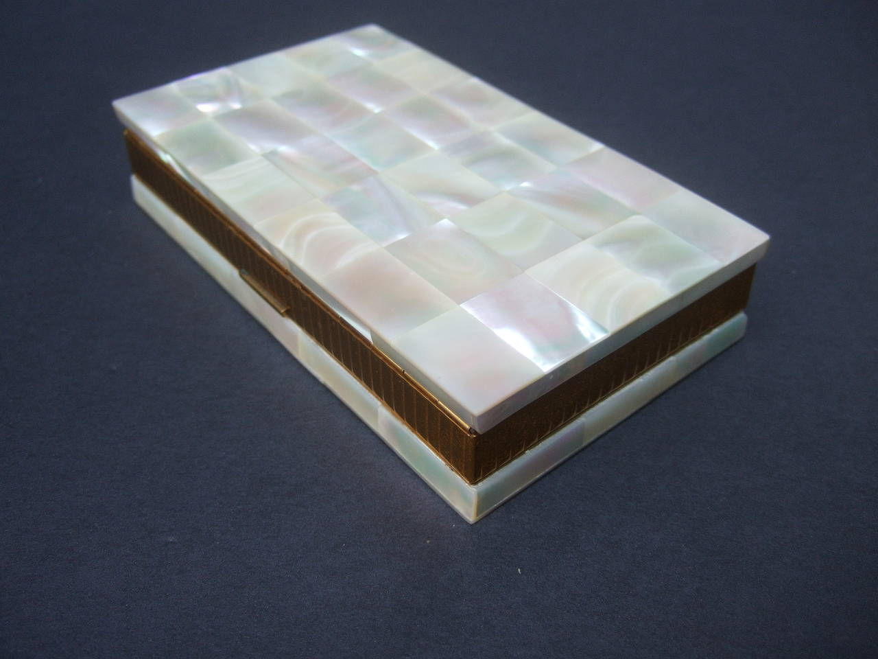 Opulent Mother of Pearl Compact Cigarette Case Clutch 3