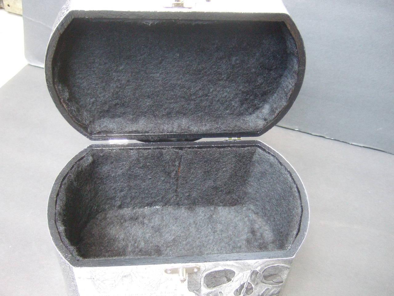 Avant Garde Decoupage Artisan Skeleton Box Style Handbag 10