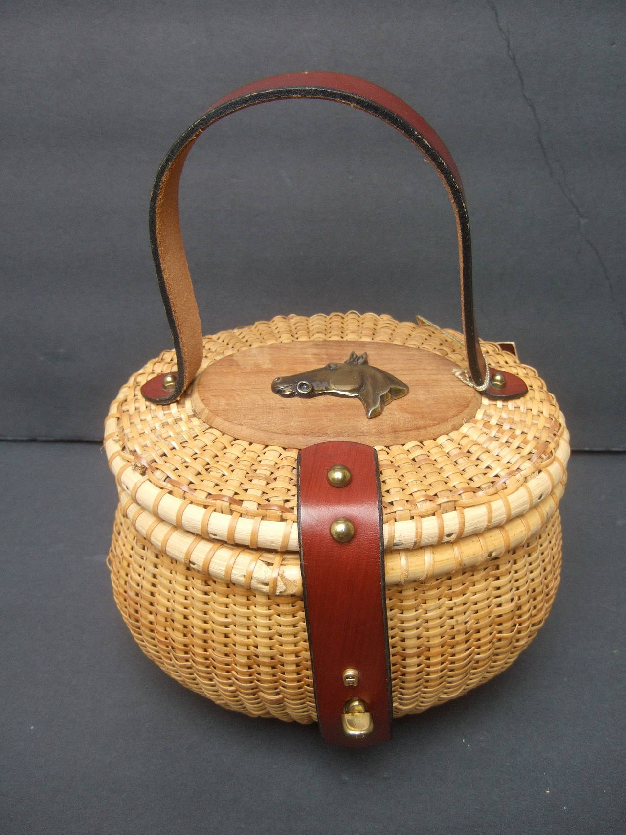 Oval Wicker Basket Equestrian Theme Handbag c 1970s For Sale 1