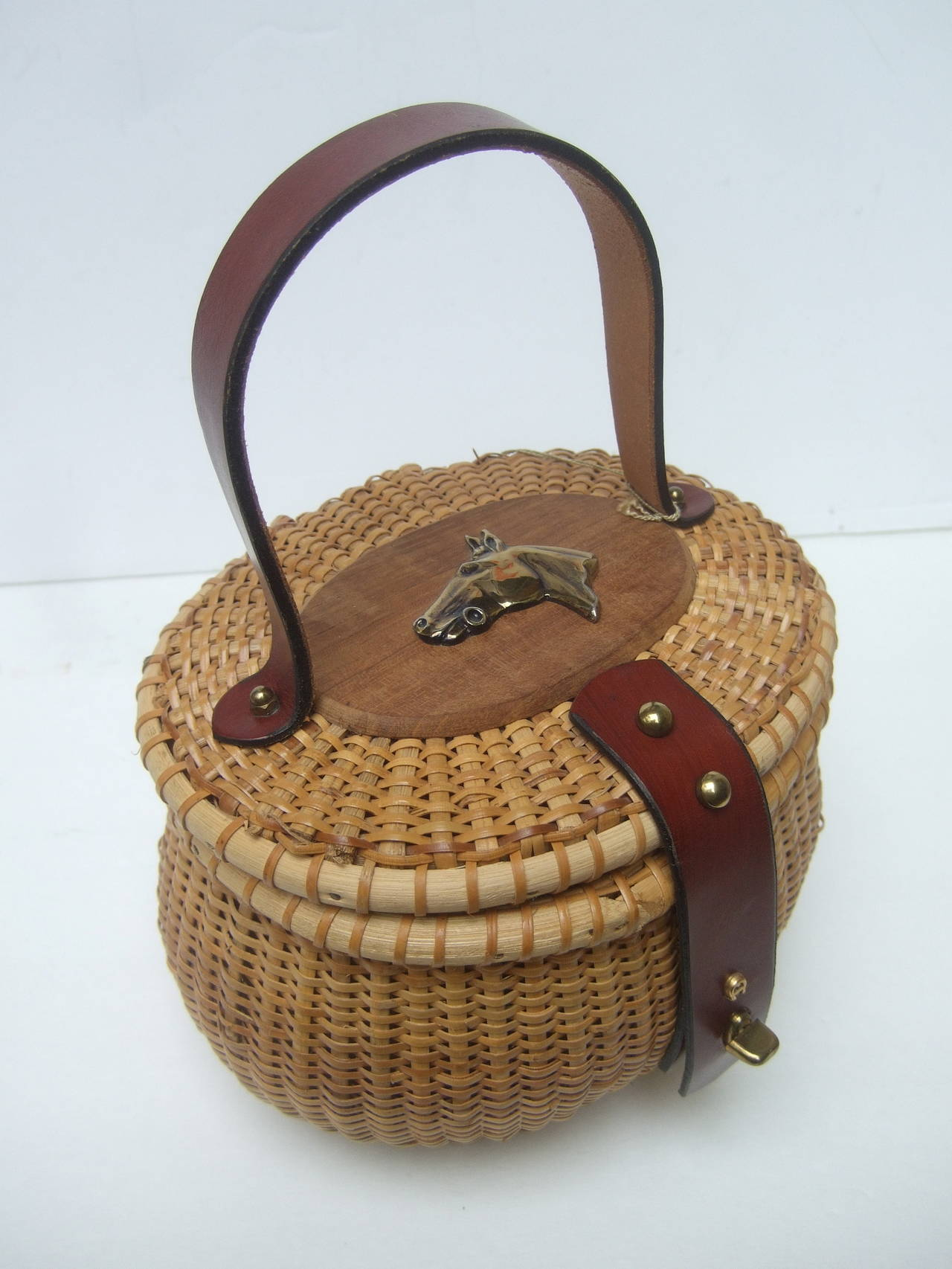 Women's Oval Wicker Basket Equestrian Theme Handbag c 1970s For Sale
