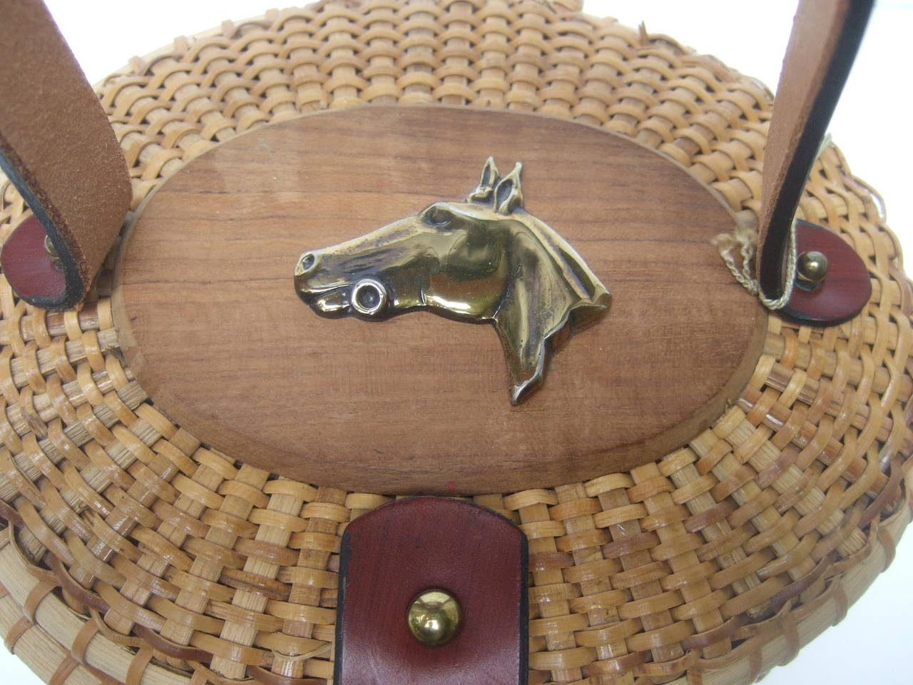 Brown Oval Wicker Basket Equestrian Theme Handbag c 1970s For Sale