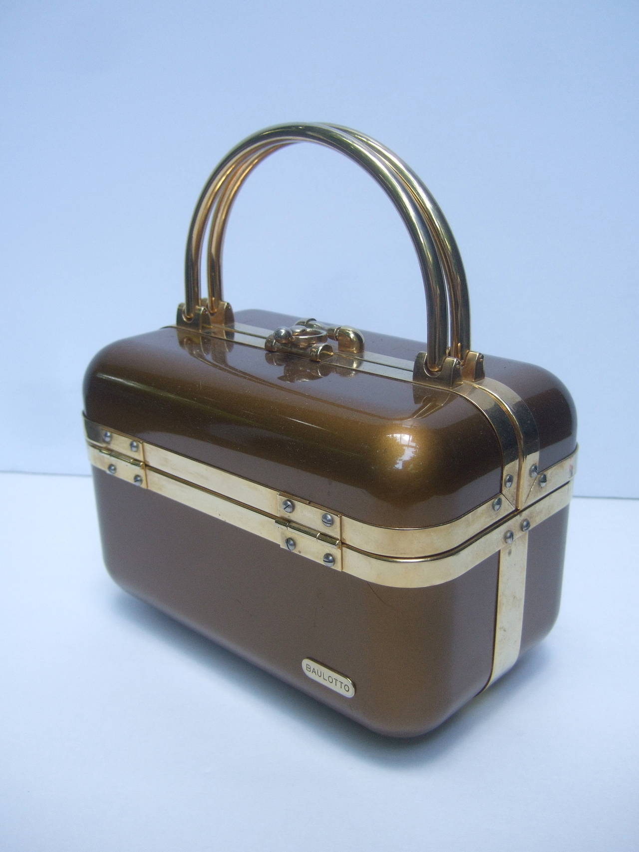 Sleek 1970s Italian Bronze Lucite Handbag Designed by Baulotto For Sale 3