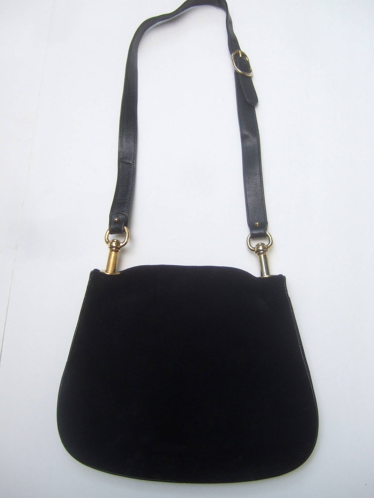 f94f7b684fe5 Gucci Bags Sale In Italy | Stanford Center for Opportunity Policy in ...