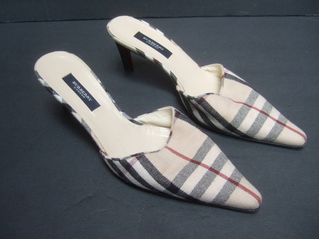 Burberry London Classic Nova Plaid Wool Mules Made in Italy Size 37.5 For Sale 1