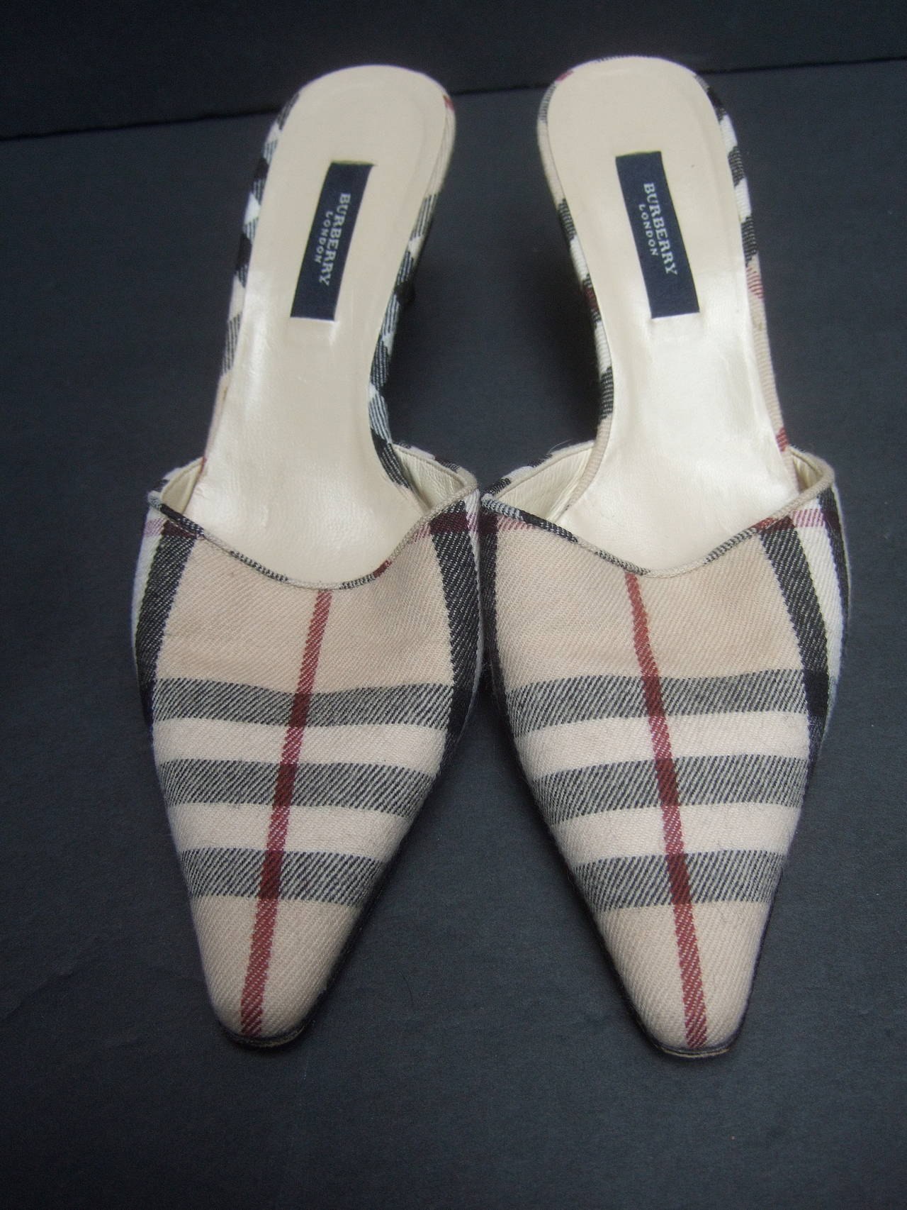 Gray Burberry London Classic Nova Plaid Wool Mules Made in Italy Size 37.5 For Sale